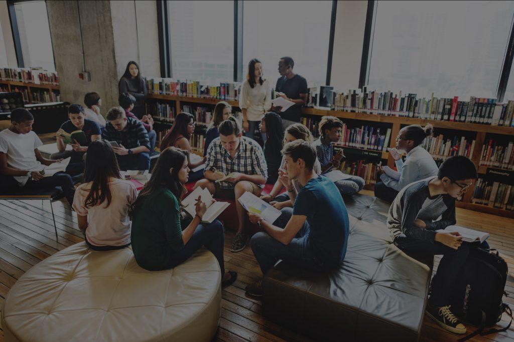 Studenti u knjiznici